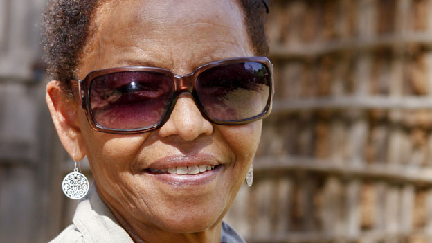 Ethiopian activist Bogaletch Gebre has won an international prize for her campaign to eradicate female genital mutilation (FGM).