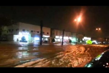 Saudi Capital Riyadh Flooded with Heavy Rain ( VIDEO)