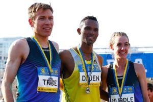 Dejen Gebremeskel breaks men's event record to win Boston 5K