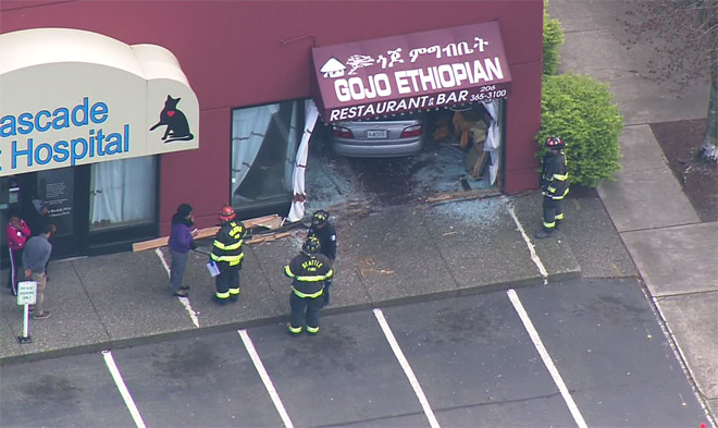 gojo restaurant_car_crash
