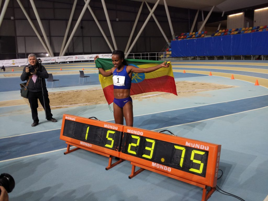 Genzebe Dibaba Breaks World 2000m Record in Sabadell, Spain