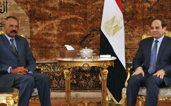 Egypt's President Abdel Fattah El-Sisi and Eritrean counterpart Isaias Afwerki in a Cairo meeting in 2016